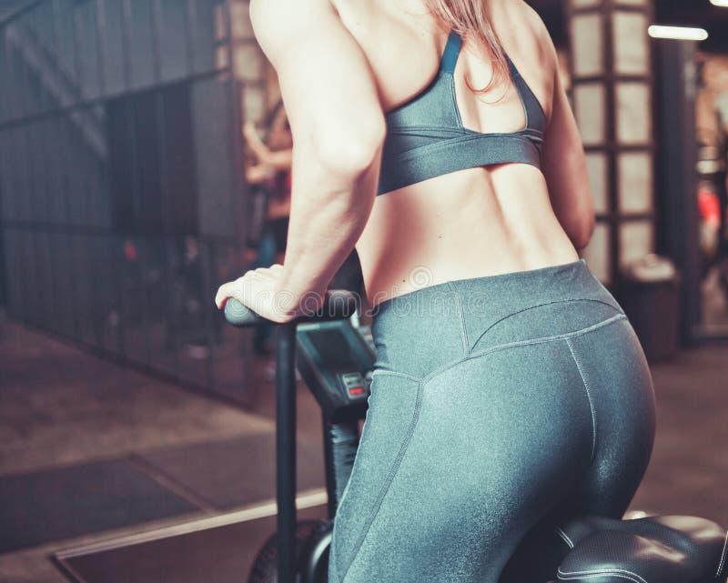 Formation sportive de femme photographie stock