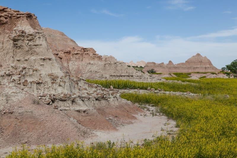 Formations de montagne de parc national de bad-lands images stock