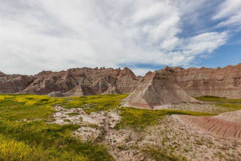Formations de montagne de parc national de bad-lands photographie stock