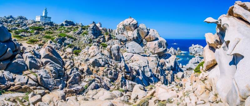 Formations de roche étonnantes de granit dans le Testa de capo en Sardaigne du nord, Italie photo libre de droits