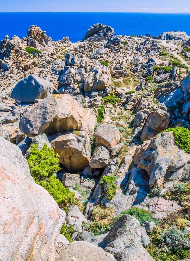 Formations de roche bizarres de granit dans le Testa de capo, Sardaigne, Italie photos libres de droits