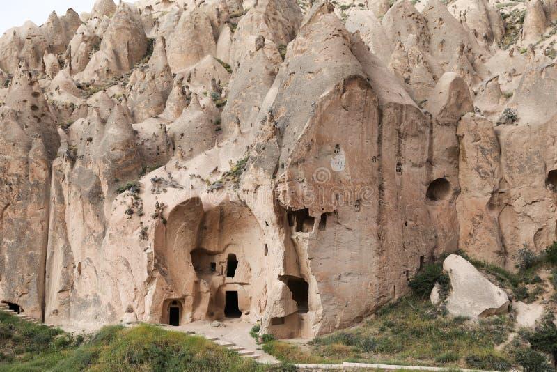 Formations de roche en vallée de Zelve, Cappadocia photographie stock libre de droits