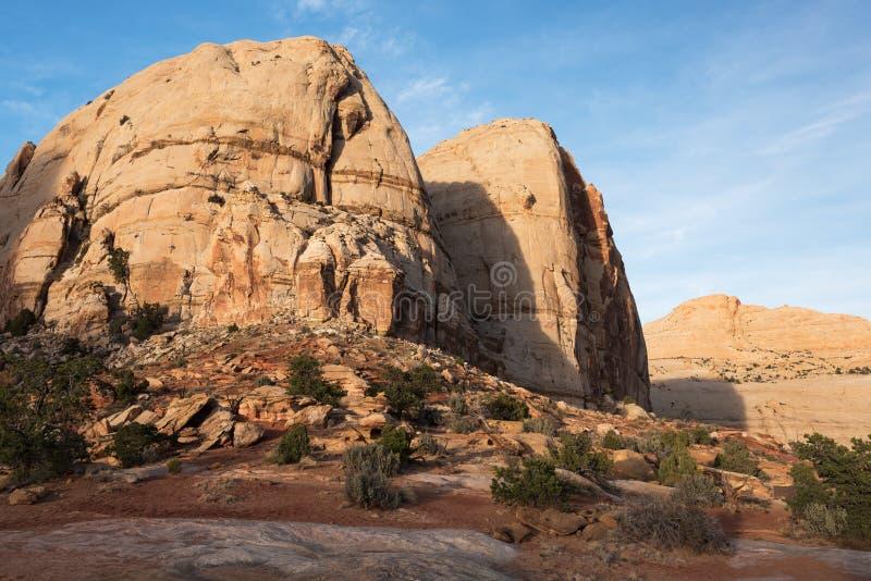 Formations de roche monolithiques - parc national de récif capital, Utah images stock