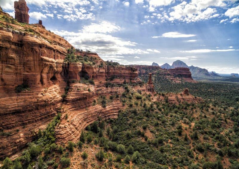 Formations de roche rouges à la traînée de canyon de Boynton dans Sedona, Etats-Unis photographie stock