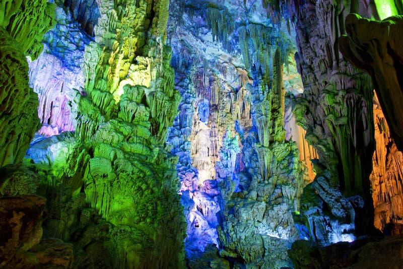 Formations de stalactite et de Stalagmite photo libre de droits