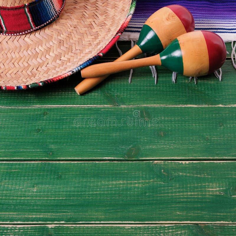 Formato do quadrado da beira do de Mayo do cinco dos maracas do sombreiro do fundo de México fotos de stock