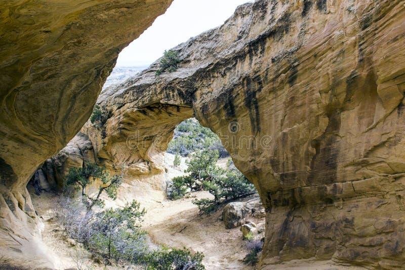 Formazione rocciosa dell'arco del chiaro di luna in primaverile, Utah immagini stock libere da diritti