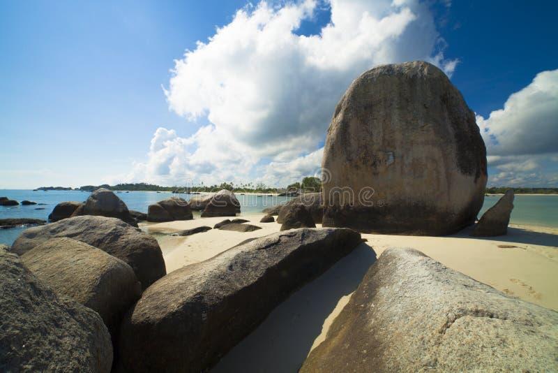 Formazione rocciosa naturale nell'isola del Belitung immagine stock