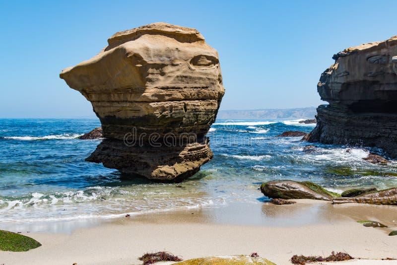 Formazione rocciosa prominente a La Jolla, California fotografia stock