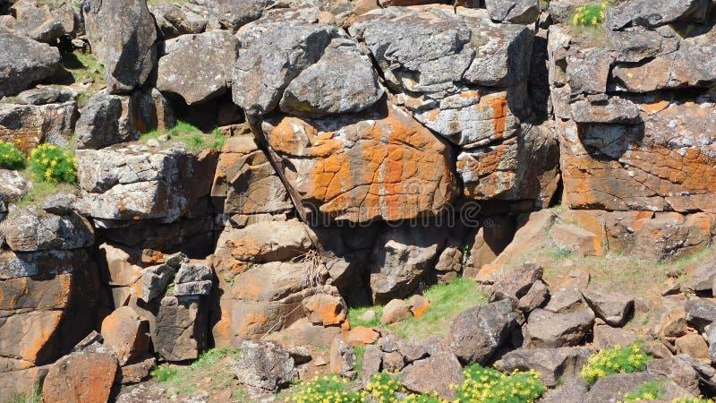 Formazione rocciosa variopinta immagini stock libere da diritti