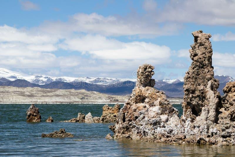 Formazioni del tufo nel mono lago California fotografie stock libere da diritti