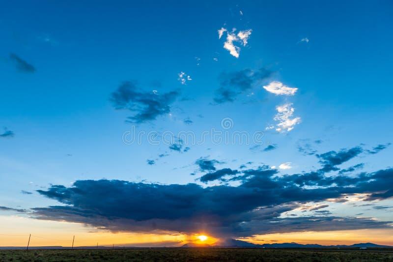 Formazioni impressionanti della nuvola lungo l'itinerario 66 immagini stock libere da diritti