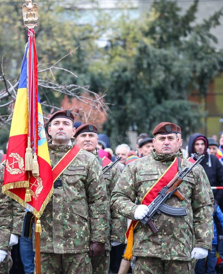 12/01/2018 - Formazioni militari che celebrano la festa nazionale rumena in Timisoara, Romania fotografie stock libere da diritti