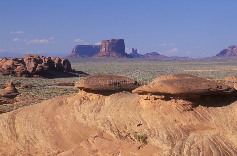 Formazioni rocciose di turbine dell'arenaria, valle del monumento, Arizona immagini stock