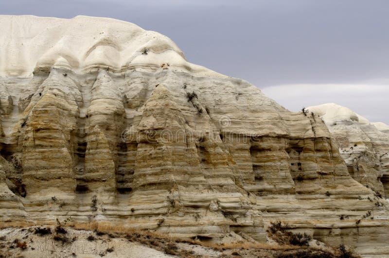 Formazioni rocciose geologiche bianche uniche in canyon di Baglidere, Turchia fotografia stock