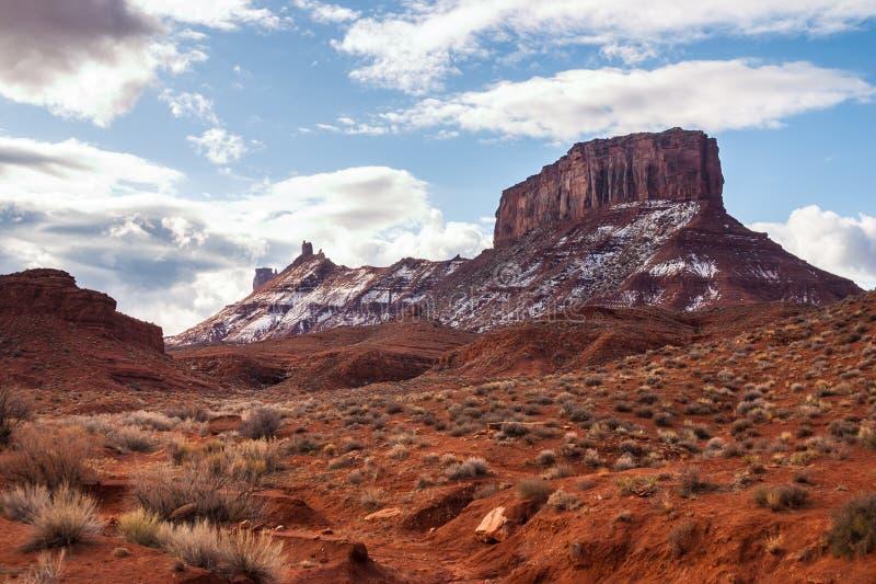Formazioni rocciose rosse lungo il fiume Colorado fotografia stock