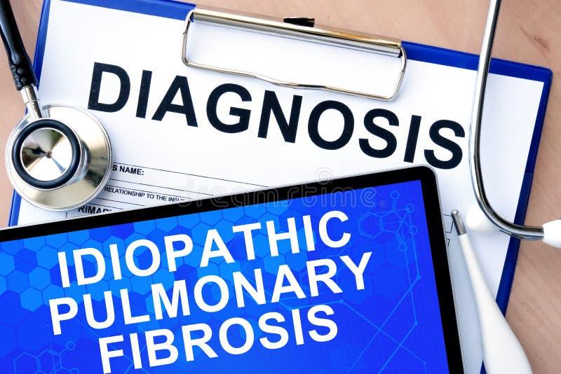 Forme con fibrosis pulmonar idiopática de la diagnosis de la palabra imagenes de archivo