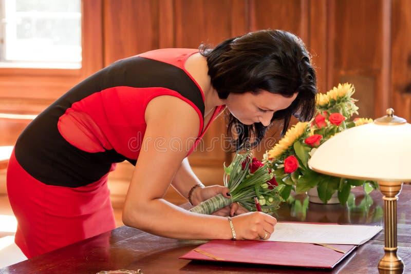 Forme de signature de mariage de témoin images libres de droits