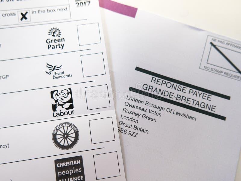 Forme et enveloppe de vote par correspondance image libre de droits