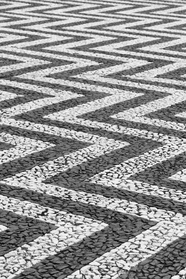 Forme a forma di pavimentate tradizionali in Flores, Azzorre portugal immagini stock