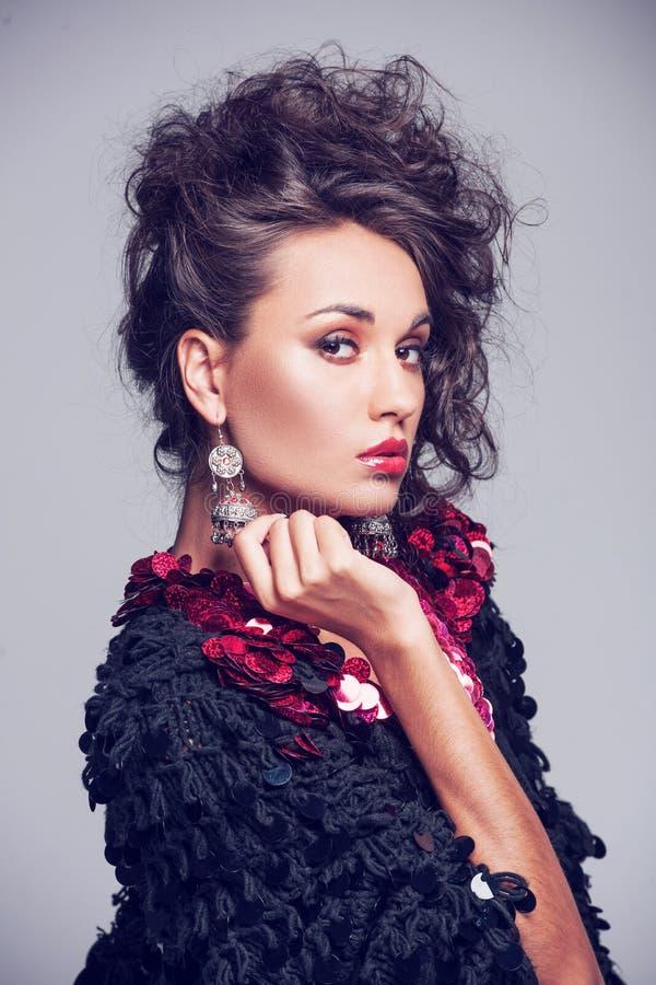 Forme la foto de la señora hermosa en vestido de noche elegante foto de archivo libre de regalías