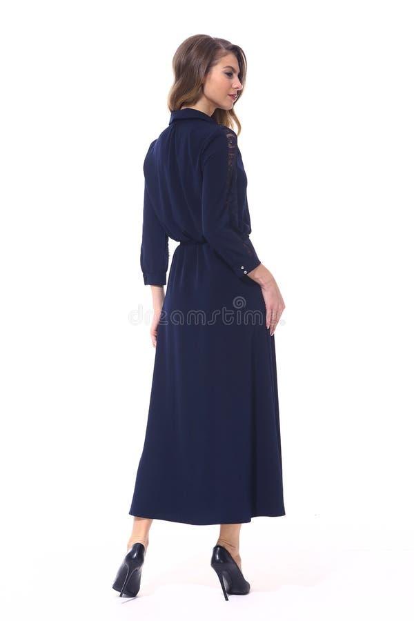 Forme a la mujer de negocios europea en la ropa formal aislada en blanco imagenes de archivo