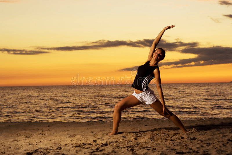Forme physique sur la plage. image libre de droits