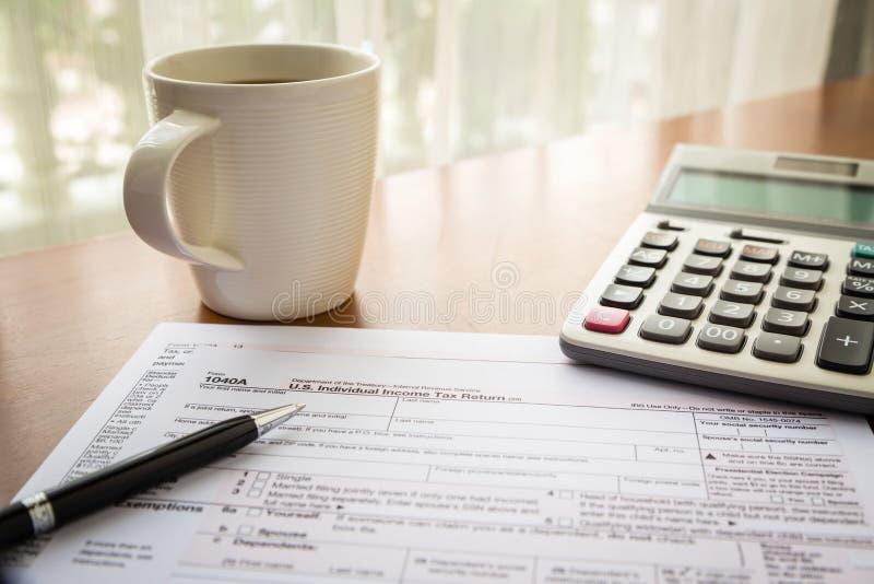 Forme 1040A, U S Declaração de rendimentos individual da renda foto de stock