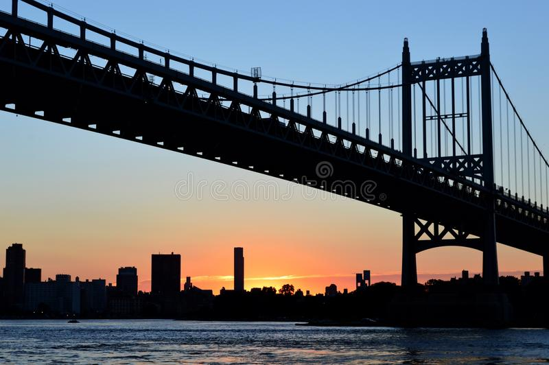 Formen des Sonnenuntergangs stockfotos