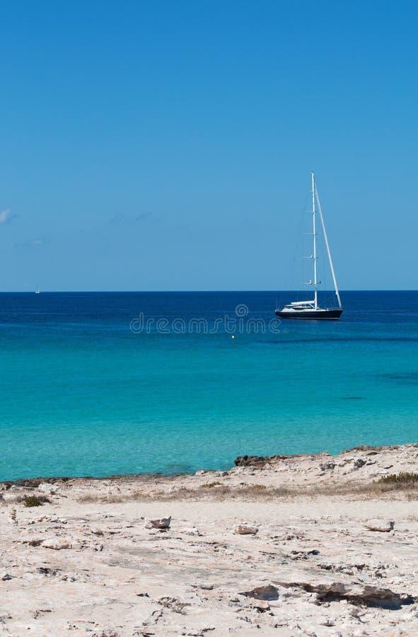 Download Formentera, Îles Baléares, Espagne, L'Europe Photo éditorial - Image du falaises, clear: 76086371