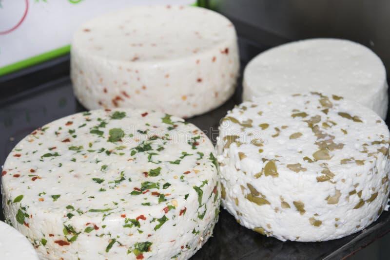 Formes des fromages épicés photographie stock