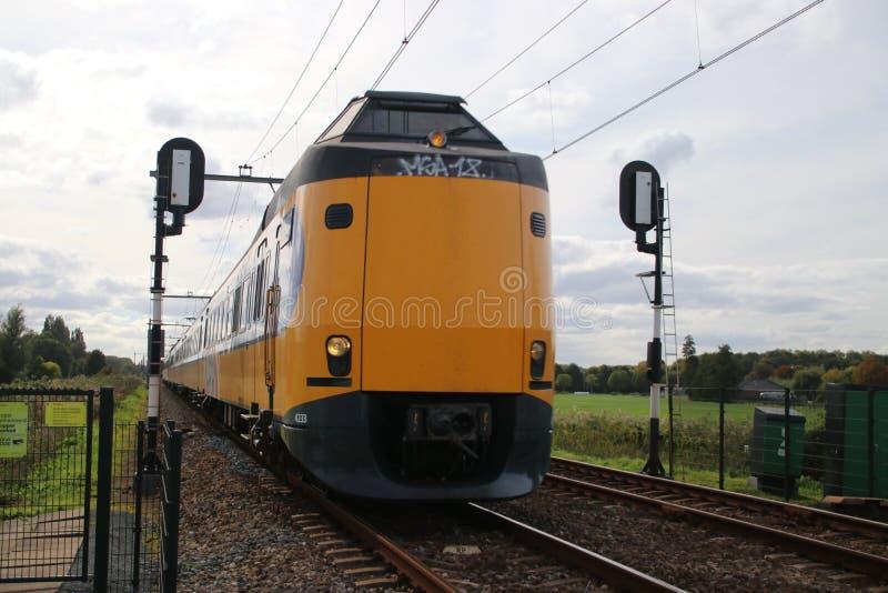 Formez le type missile aux performances améliorées Koploper à un croisement de chemin de fer dans le repaire aan IJssel de Nieuwe images libres de droits