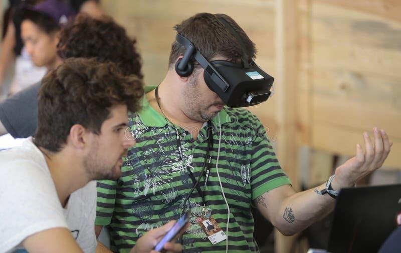 Formgivare på VR-apparater arkivfoton