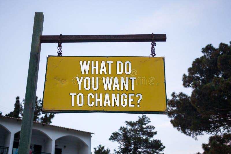 Formułuje writing tekst Co Wy Chcą Zmieniać pytanie Biznesowy pojęcie dla strategii Planistycznej decyzi Drewnianej deski Obiekty zdjęcie stock