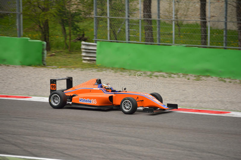 Formuły 4 samochodu test przy Monza zdjęcie stock