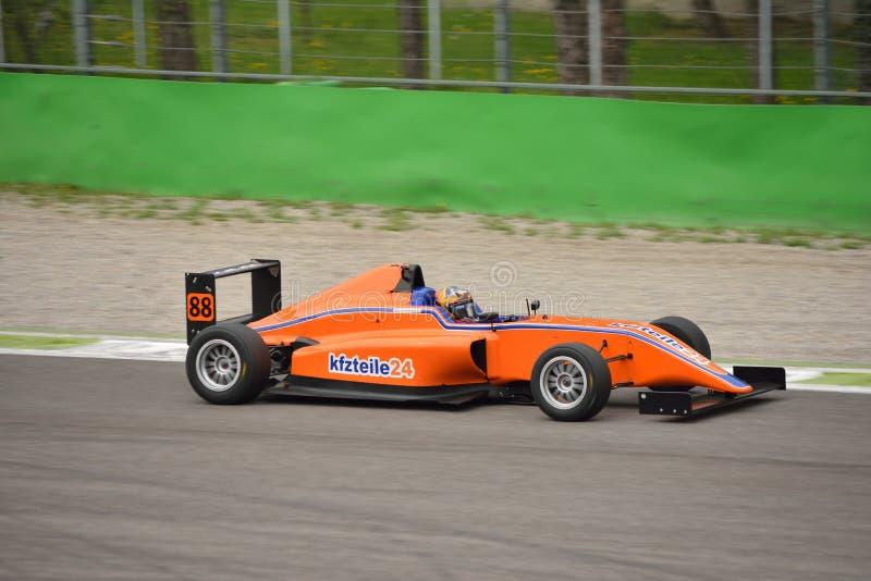 Formuły 4 samochodu test przy Monza zdjęcie royalty free