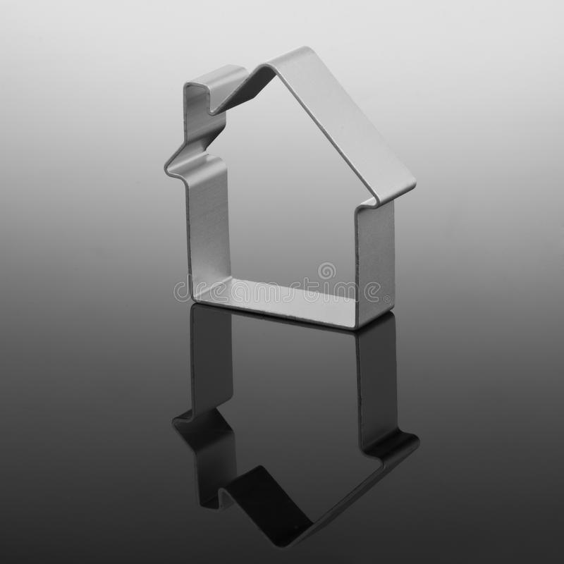 Formulário da casa no inclinação preto fotos de stock