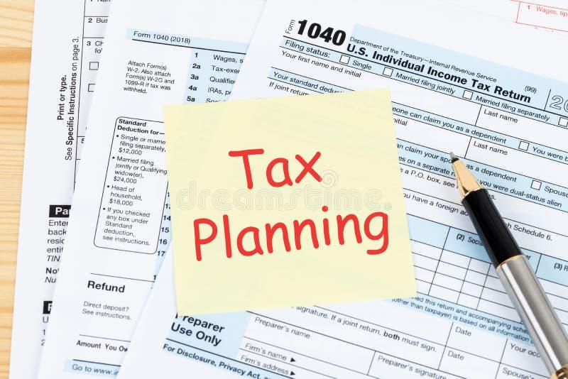 Formulário de declaração de rendimentos individual pelo IRS, conceito da renda para o planeamento da tributação foto de stock royalty free