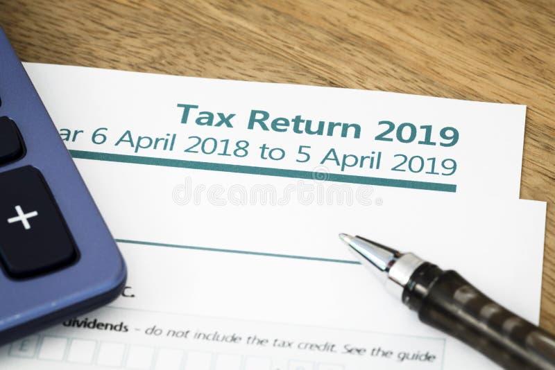 Formulário de declaração de rendimentos Reino Unido 2019 foto de stock royalty free
