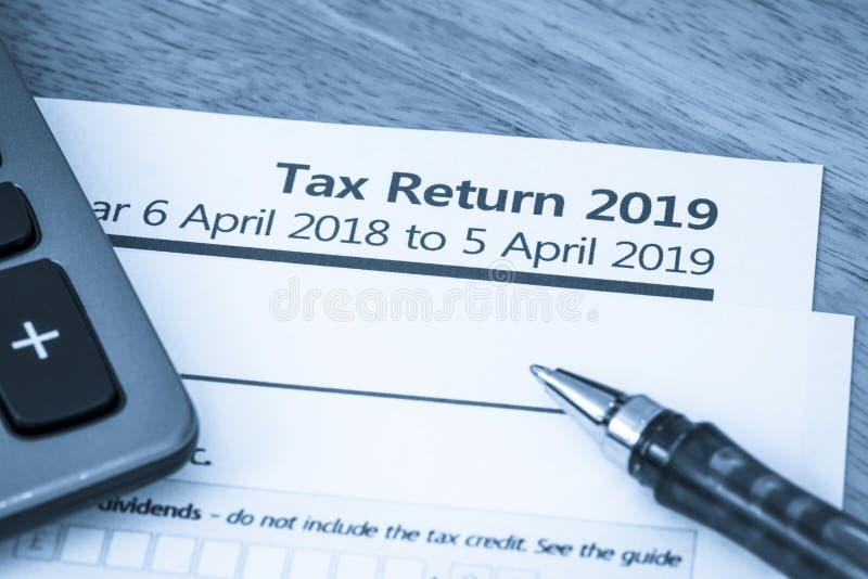 Formulário de declaração de rendimentos Reino Unido 2019 fotografia de stock royalty free