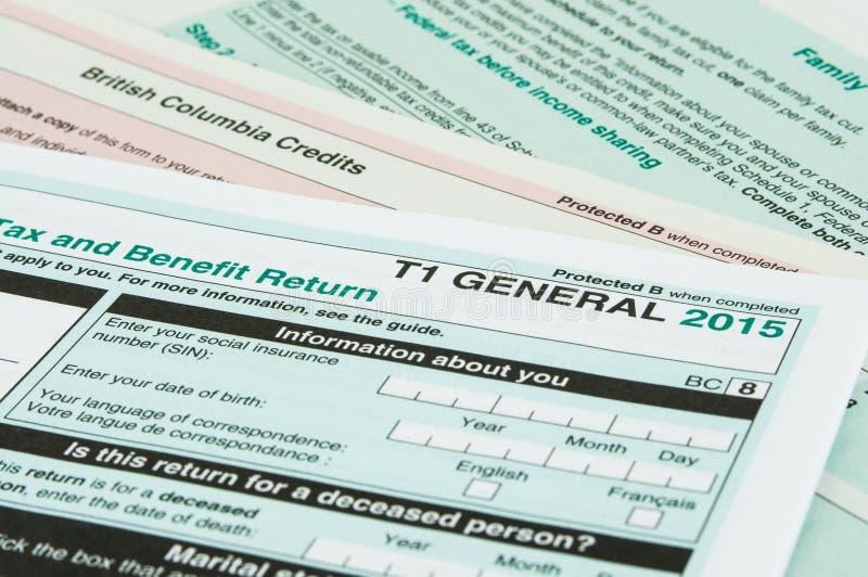 Formulário de imposto individual canadense fotografia de stock