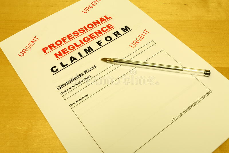 Formulário de reivindicação da negligência profissional imagens de stock