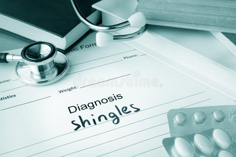 Formulário diagnóstico com telhas do diagnóstico fotografia de stock