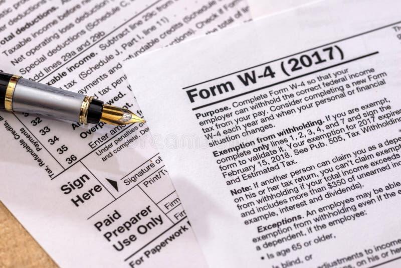 formulário do retorno de imposto sobre o rendimento das pessoas coletivas - 1120 foto de stock royalty free