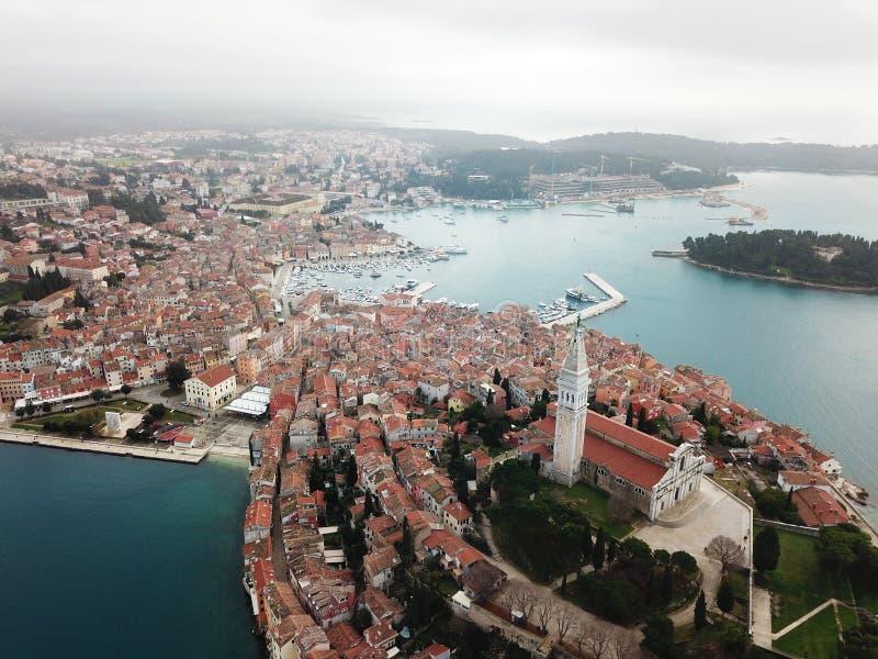 Formulário velho da cidade de Rovinj Istria o ar fotos de stock royalty free