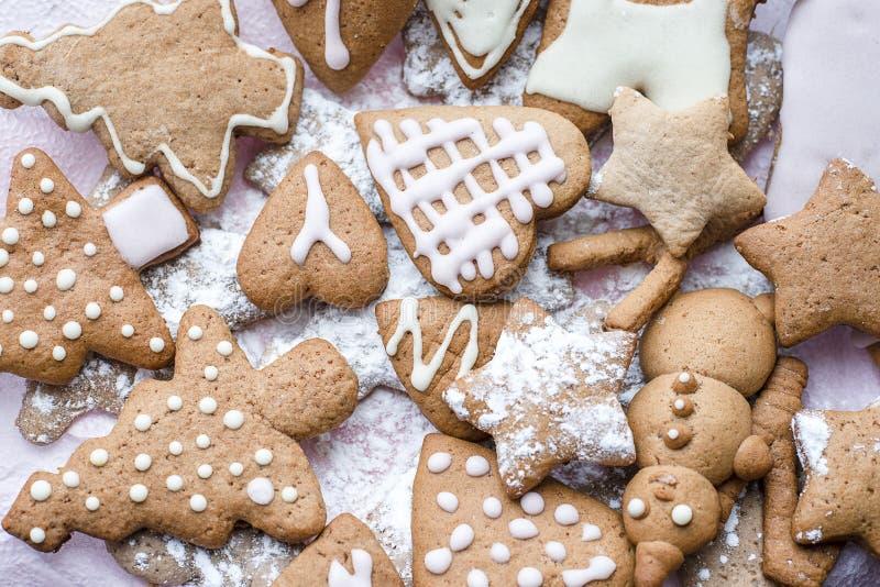 Formulários decorados do pão-de-espécie do Natal vários imagem de stock royalty free