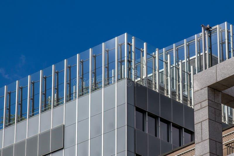 Formulários geométricos de uma construção moderna imagens de stock royalty free
