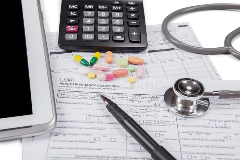 Formulaire de demande pour réclamer l'assurance médicale maladie photos stock