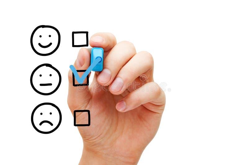 Formulario de evaluación medio en blanco de la encuesta a los clientes imagenes de archivo