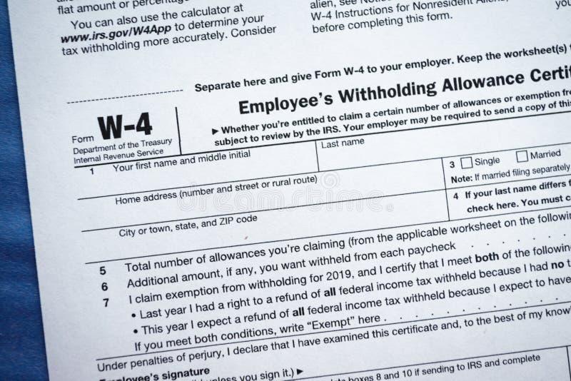 Formularzowego W-4 pracownika tolerowania Wstrzymuje świadectwo obrazy stock